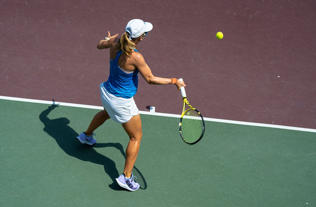 Berta Bonardi (University of West Florida) returns with a forearm at the 2020 Oracle ITA National Summer Championships in College Station, Texas
